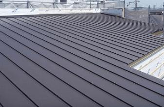 ガルバリウム銅板の屋根
