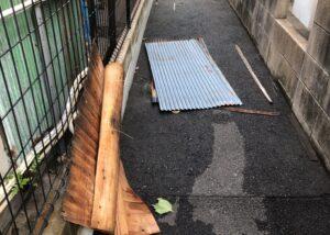 飛ばされた屋根材