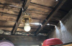 屋根材がなくなった天井